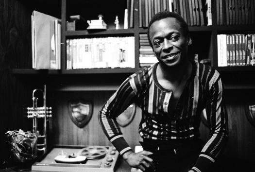 Miles Davis 1969-1975: brodo di cagne eretico | Venerato ...